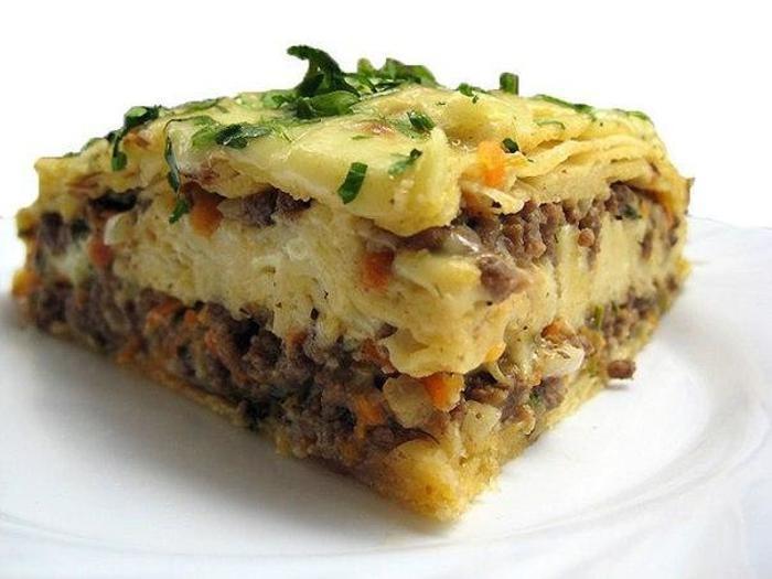 Фото к рецепту: Мясной пирог из тонкого армянского лаваша