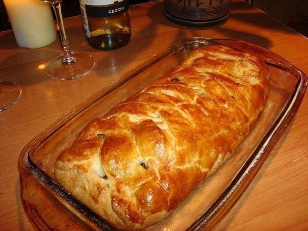 Фото к рецепту: Быстрый мясной пирог с грибами