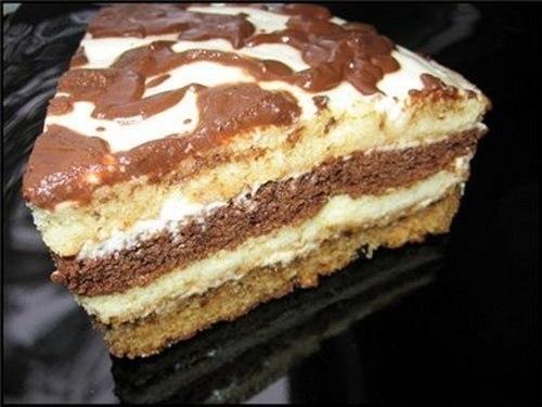 Фото к рецепту: Вкусный сметанный тортик