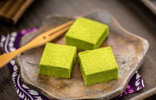 Фото к рецепту: Шоколад с зелёным чаем (японская кухня)