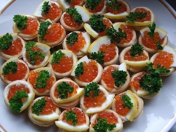Фото к рецепту: Тарталетки с вкусными начинками