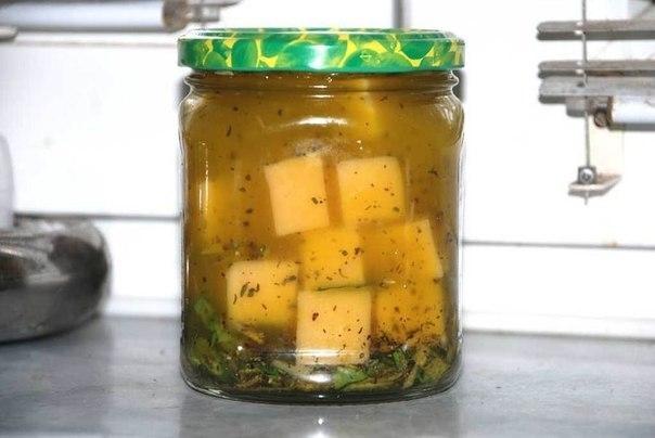 Фото к рецепту: Маринованный сыр
