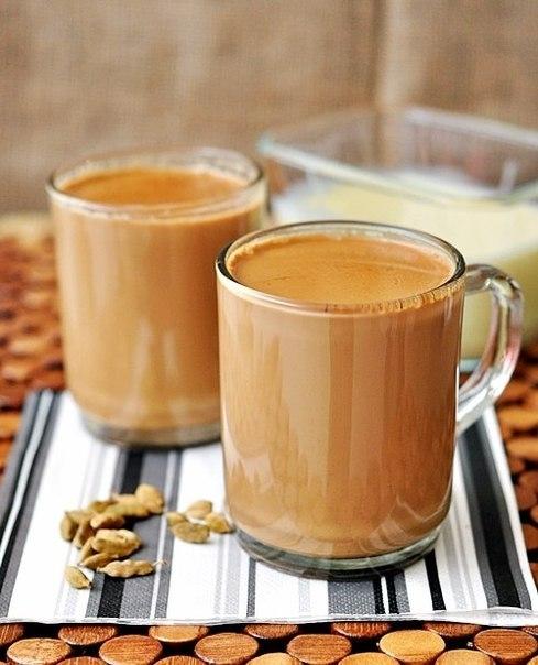 Фото к рецепту: Масала чай (молочный чай со специями)
