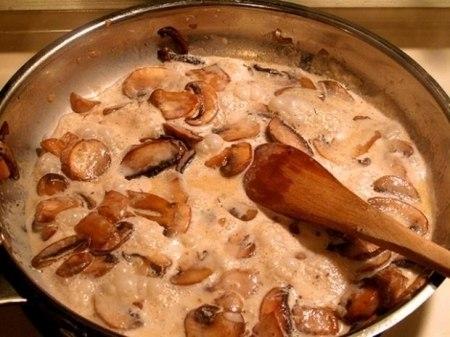 Фото к рецепту: Грибные соусы на основе шампиньонов