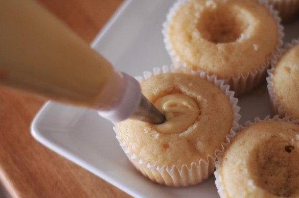 Как сделать жидкую начинку для кексов