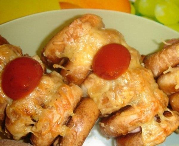 Фото к рецепту: Сосиски в сушках