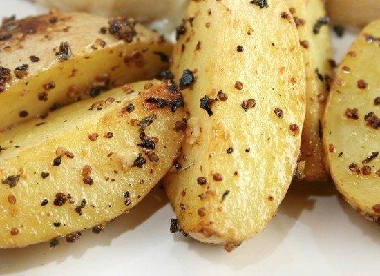 Фото к рецепту: Картофель, запеченный в горчице.