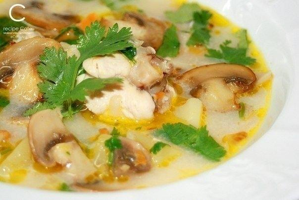Фото к рецепту: Сырно-грибной суп