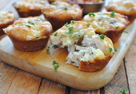Фото к рецепту: Куриный мафин с сыром