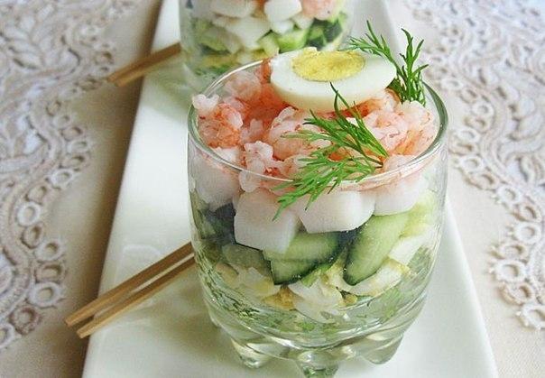 Фото к рецепту: Салат из кальмаров.