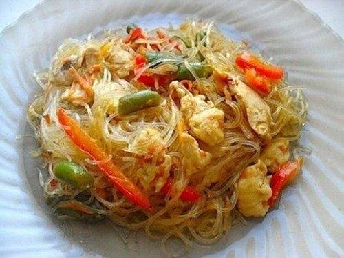 Фото к рецепту: Фунчоза с овощами