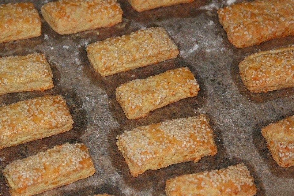 Фото к рецепту: Печенье с плавленым сыром