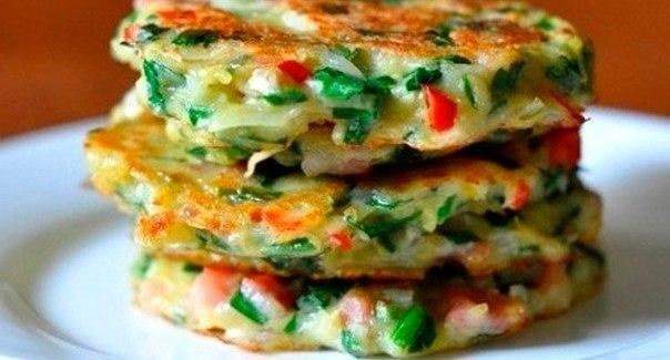 Фото к рецепту: Драники с овощами
