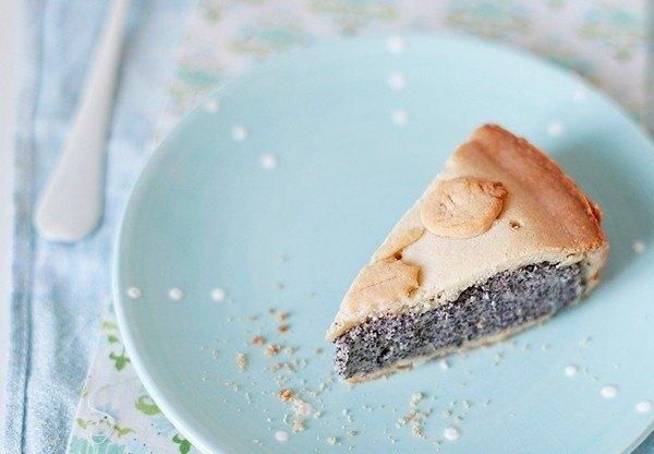 Фото к рецепту: Баскский пирог с маковым заварным кремом
