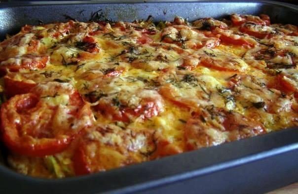 Фото к рецепту: Запеканка из кабачков с фаршем и помидорами