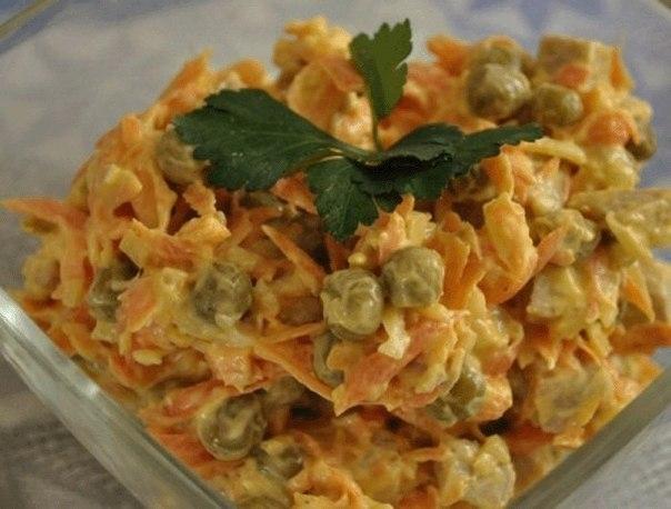 Фото к рецепту: Салат Купеческий - настоящее объедение