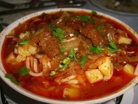 Фото к рецепту: Лагман - узбекский густой суп - простое в приготовление аппетитное блюдо
