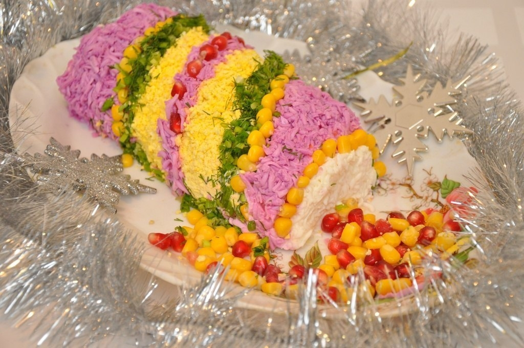 Фото к рецепту: Салат Новогодняя хлопушка