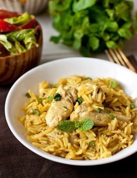 Фото к рецепту: Курица с рисом и карри