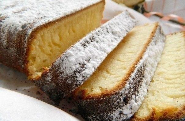 Фото к рецепту: Нереально вкусный кекс на сгущённом молоке