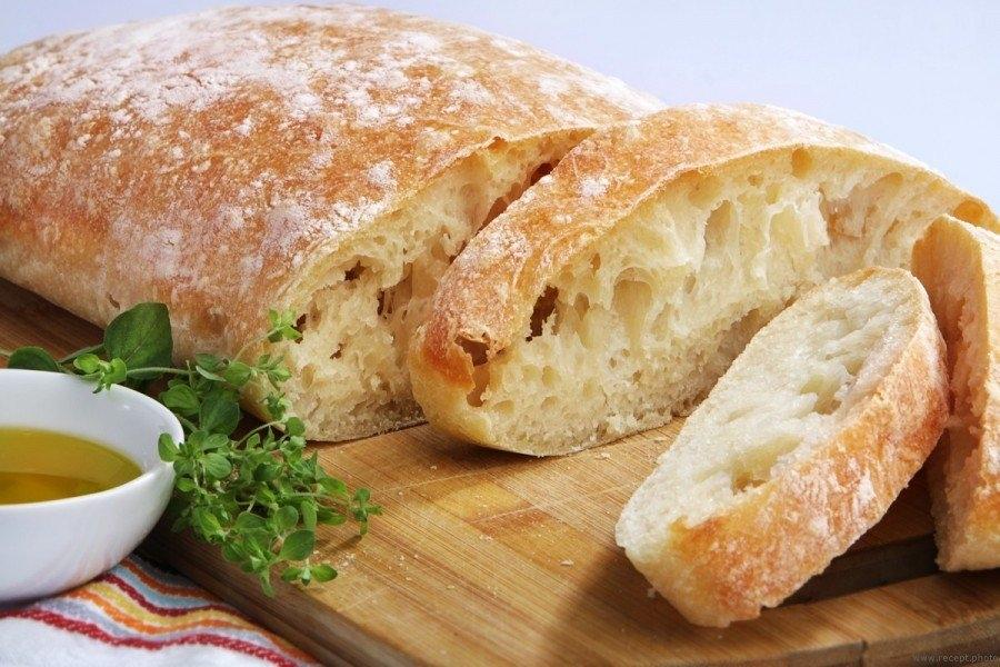 Фото к рецепту: Чиабатта в духовке