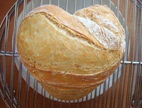 Фото к рецепту: Домашний хлеб в духовке.