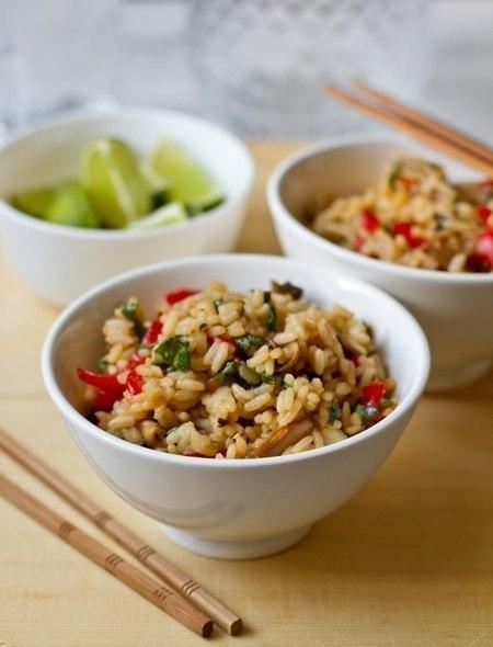 Фото к рецепту: Жареный рис с овощами