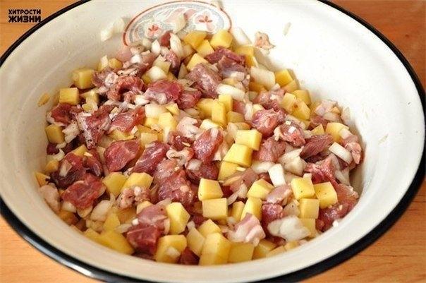 Фото к рецепту: Как приготовить эчпочмак (треугольные пироги с картошкой и мясом)