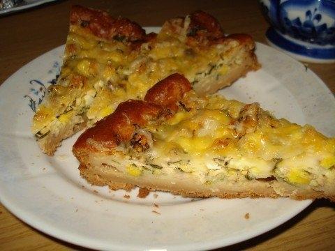 Фото к рецепту: Наипростейший и довольно бюджетный рыбный пирог
