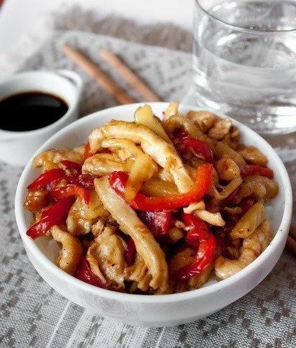 Фото к рецепту: Вкуснятина: курица стир-фрай с кисло-сладком соусе
