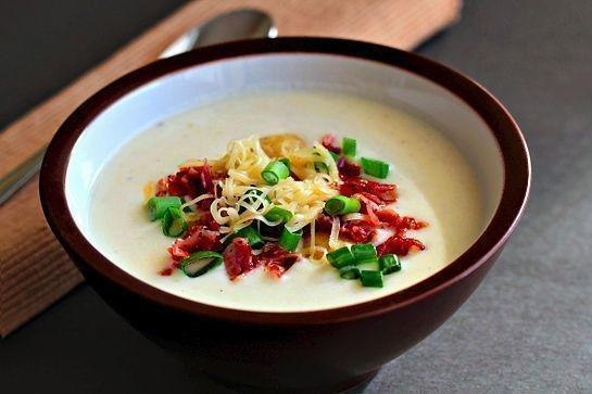 Фото к рецепту: Густой сливочный картофельный суп-пюре