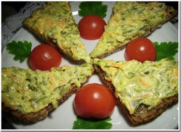 Фото к рецепту: Закуска из жареных соленых огурцов