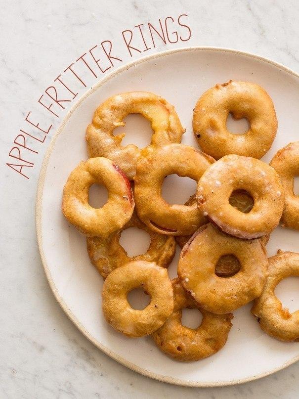 Фото к рецепту: Яблочные кольца в кляре
