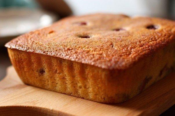 Фото к рецепту: Манник - очень вкусный пирог для ваших деток