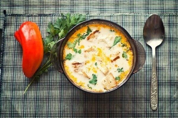 Фото к рецепту: Сырный суп по-французски.