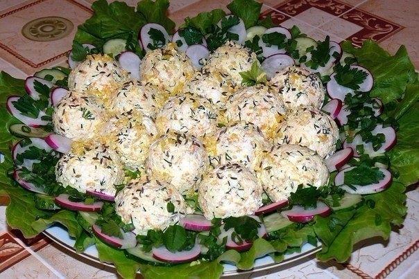Фото к рецепту: 5 закусок в виде шариков