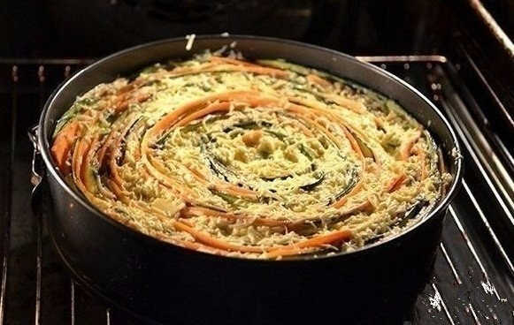Фото к рецепту: Пирог Овощная идиллия