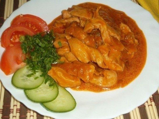 Фото к рецепту: Гуляш из куриного филе