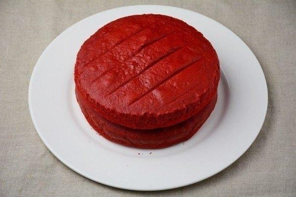 Фото к рецепту: Страшно красивый десерт Бархатный торт