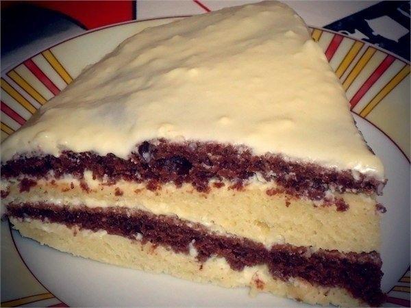 Фото к рецепту: Лёгкий и вкусный тортик на кефире