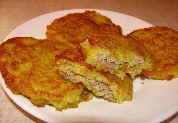 Фото к рецепту: Деруны с мясом