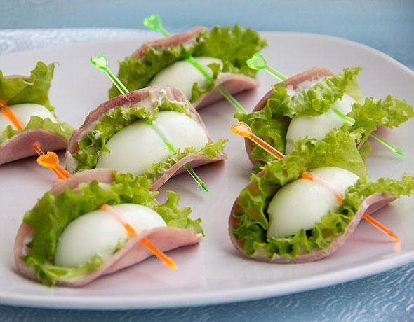 Фото к рецепту: Закуска с яйцом