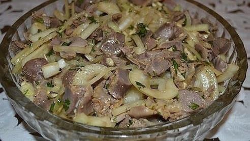 Фото к рецепту: Маринованные куриные желудочки в соевом соусе пикантные и невероятно вкусные.