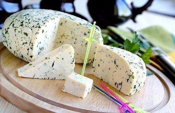 Фото к рецепту: Быстрый рецепт домашнего сыра без заморочек