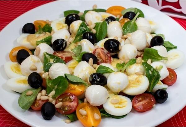 Фото к рецепту: Салат милые крошки