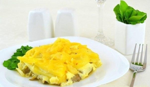 Фото к рецепту: Вкуснейшая запеканка из картофеля, грибов и двух видов сыра