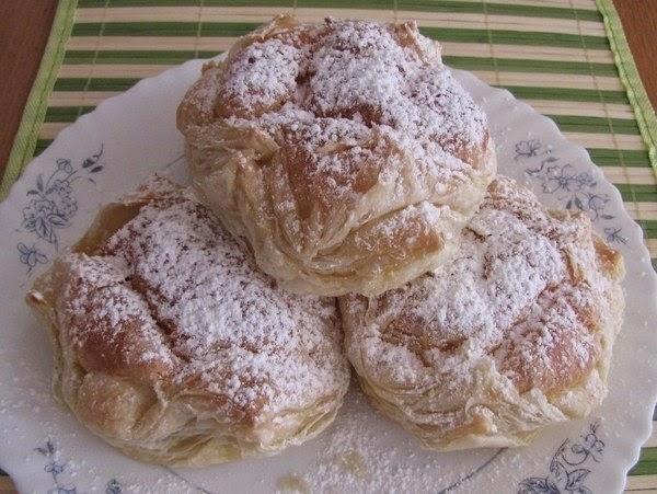 Фото к рецепту: Пирожное ленинградское слоёно-заварное.