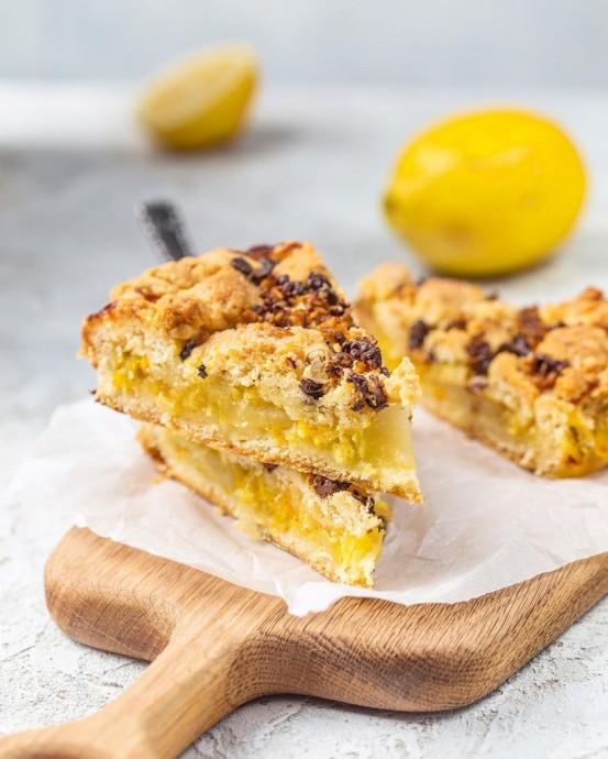 Пирог с лимоном и яблоками 0