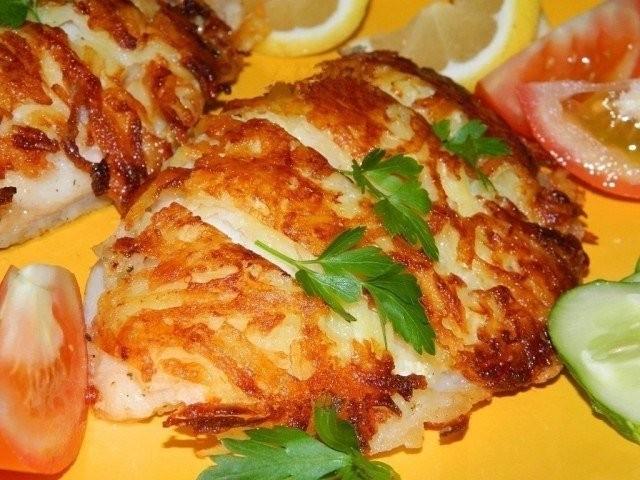 """Рыба в сырно-картофельной """"шубе"""""""