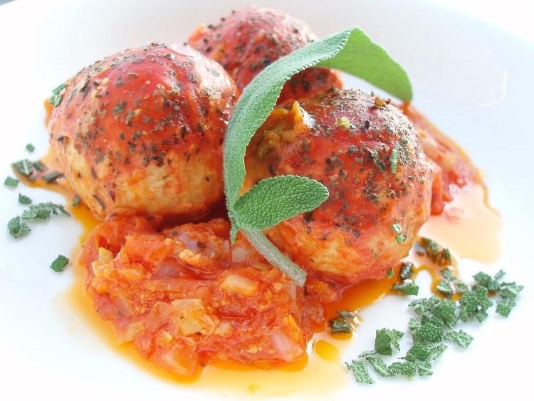Тефтели с манкой в томатном соусе 0